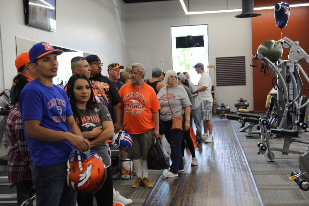 Fans line up at Fitness Gallery Grand Opening