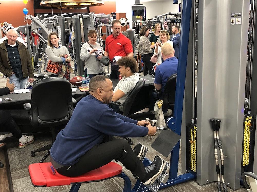 Broncos Mark Jackson tries TuffStuff's Proformance Plus Low Row at Fitness Gallery